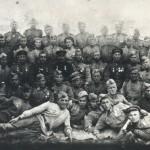 Воїни 199-го гвардійського артилерійського полку 94-ї стрілецької  дивізії на позиції у   с. Буди Харківської області. Фотознімок. Жовтень 1943 року. ф. Р-6138, оп 1, спр. 13, арк.3.