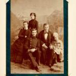 Фотографія М. С. Грушевського з родиною під час перебування у Владикавказі на канікулах. Серпень 1888 року.  ЦДІАК України . ф. 1235, оп. 1, спр. 923, арк. 2